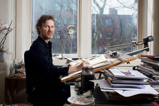 ensjø, oslo, norge, 24/4/2013, steffen kvernerland, sitter i et hjemmekontor og tegner, ser på kamera, bredde. foto: jeton kacaniku