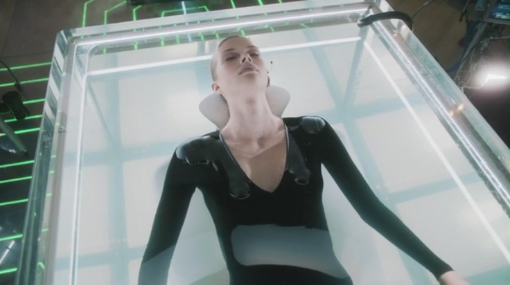 Stitchers.S01E01.HDTV.x264-BATV[(030670)14-40-26]