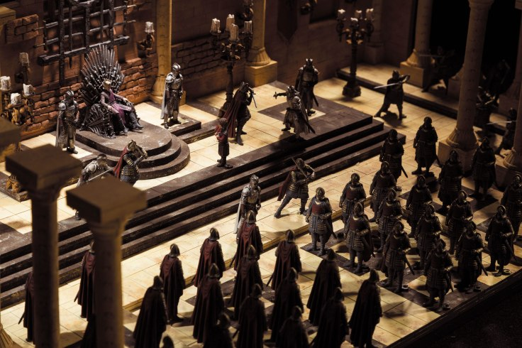 mcfarlane-set-got-throne-room