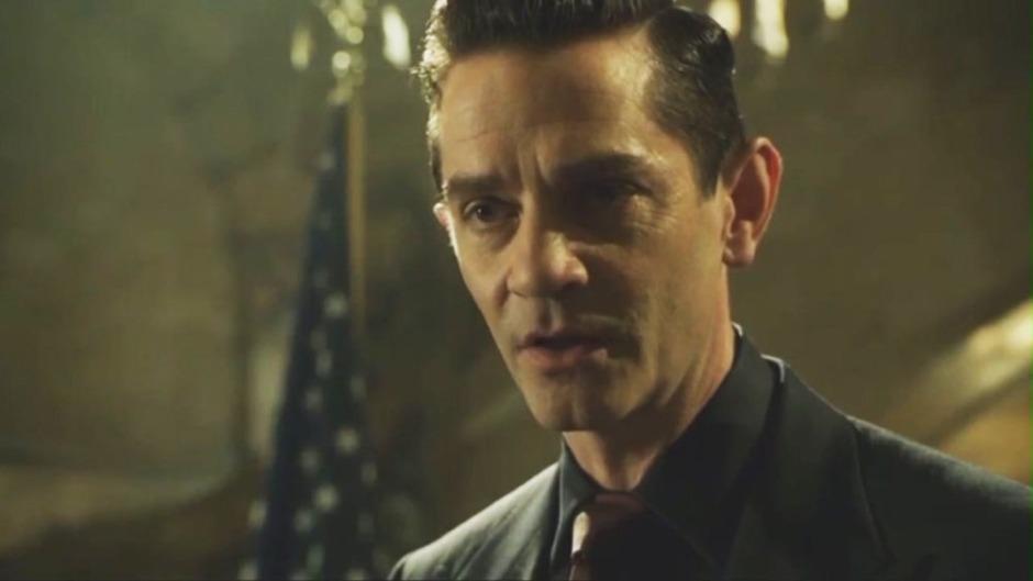 Gotham.S02E01.WEBRip.HamsterStudio[(048660)01-26-53]