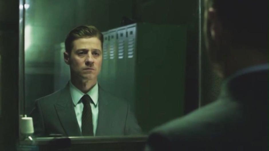 Gotham.S02E01.WEBRip.HamsterStudio[(062261)01-37-20]
