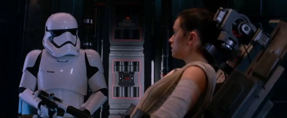 star-wars-episode-vii-the-force-awakens-clip-daniel-craig-stormtrooper