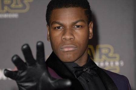 John-Boyega-surprises-fans-at-Star-Wars-screenings